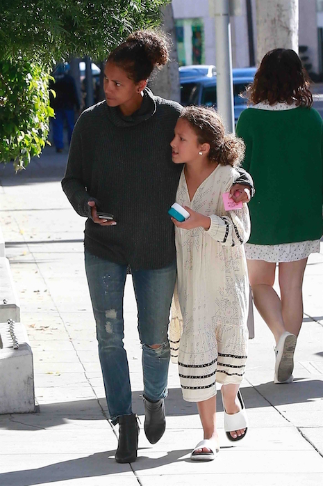 Halle Berry got back from French Polynesia just in time to take her  daughter Nahla Aubry to the dentist in Beverly Hills. Halle left her kids  at home and ...