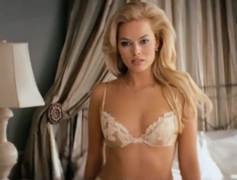 Margot-robbie-bra-w#18cut