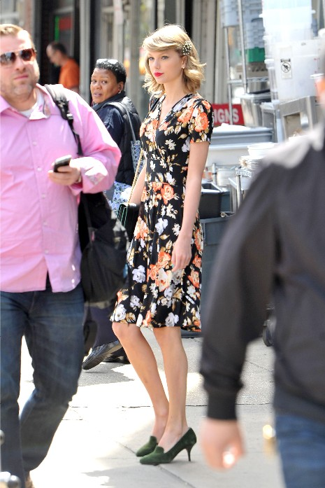 Taylor Swift leaves the gym then returns home in NYC.