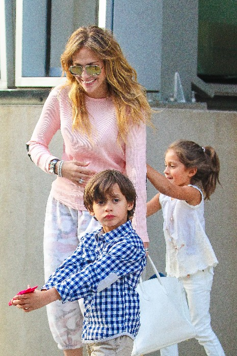 Jennifer Lopez is all smiles as she steps out for dinner with the kids.