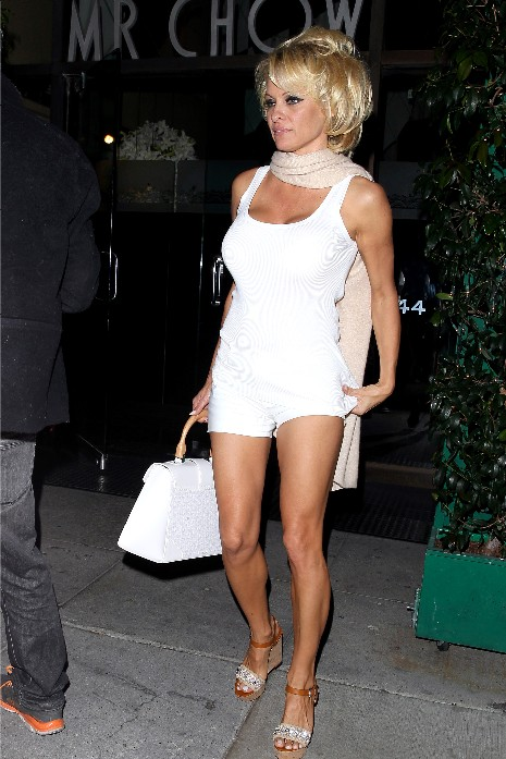 pamela anderson dinner date with rick solomon.